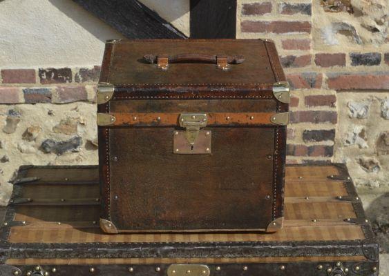 Malle Chapeaux Moynat en cuir