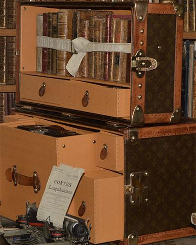Les malles bibliothèque Louis Vuitton